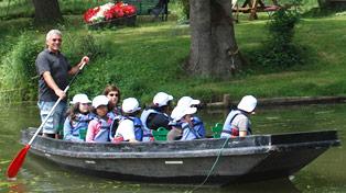 louer et visiter en barque le marais poitevin arcais