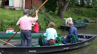 promenade barque groupe marais poitevin ar�ais